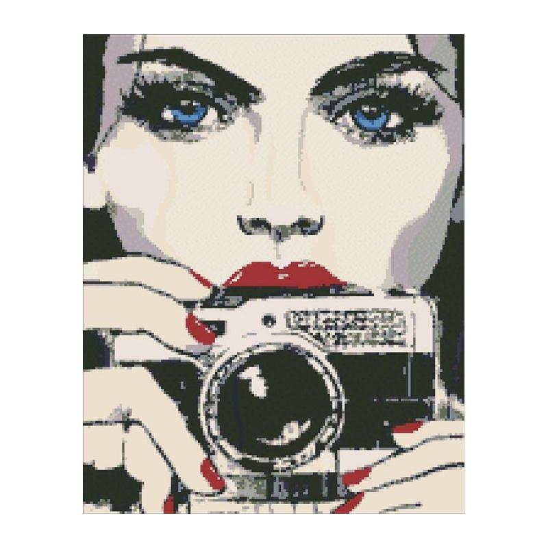 """Алмазная мозаика """"Девушка с фотоаппаратом"""" АМ 6015 купить в магазине """"Пустун"""""""