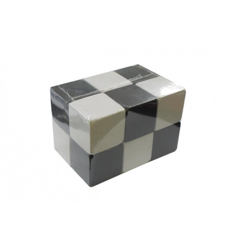 """Кубики деревянные черно-белые (12 штук) купить в магазине """"Пустун"""""""